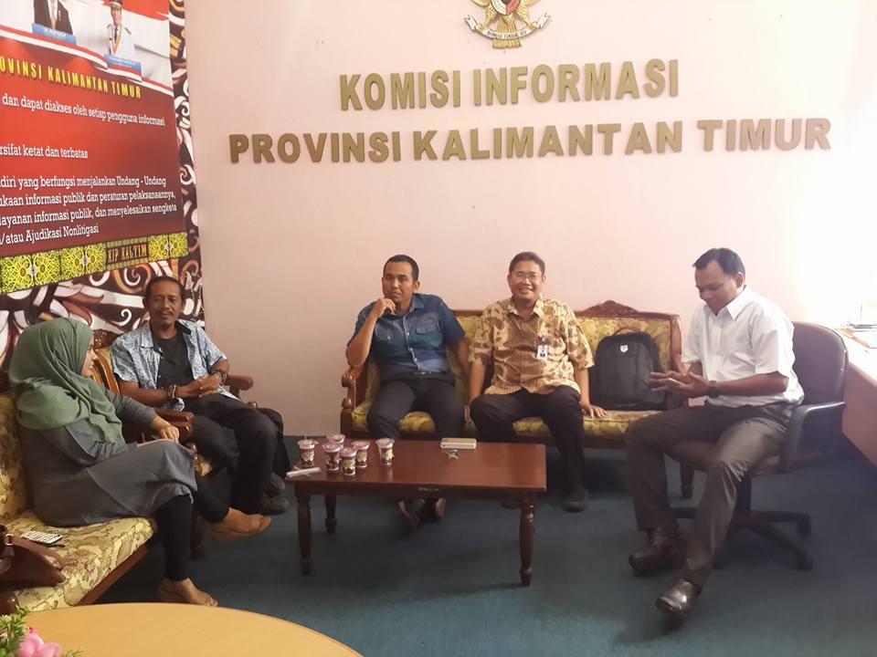 Pertemuan Yayasan BUMI dengan KI Kaltim (Foto: KI Kaltim)